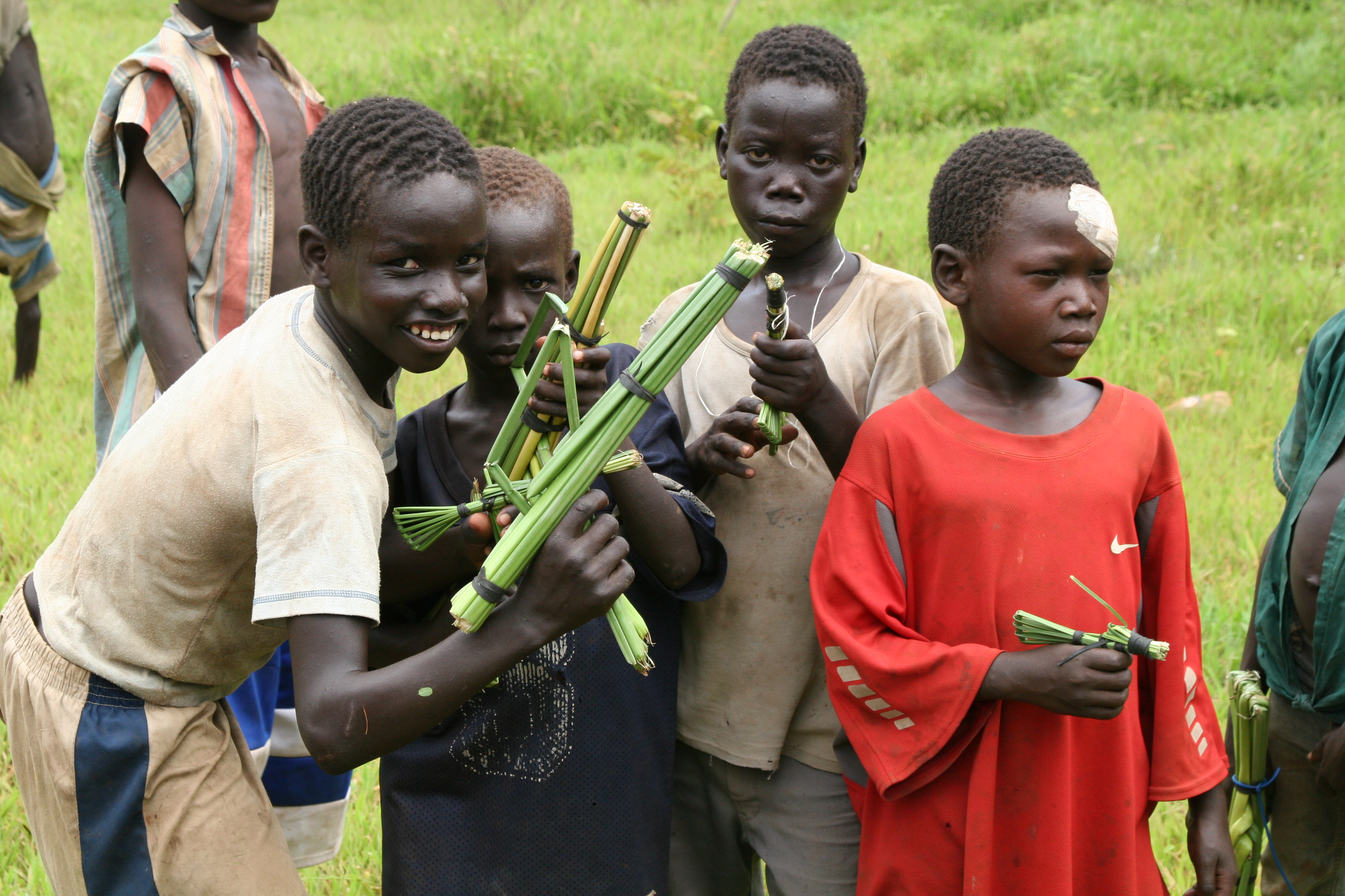 Toy Guns For Boys : Boys with toy guns inroadsjournal