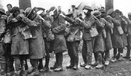 18_British_55th_Division_gas_casualties_10_April_1918