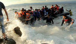 10_refugee-boat