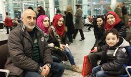 9_syrian-family